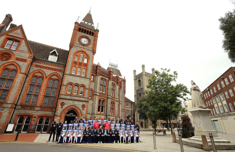 Reading Football Club team outside Reading Town Hall